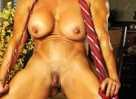 clit and labia show