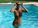 Fetish - Women with sun glasses - Fully naked - All ages